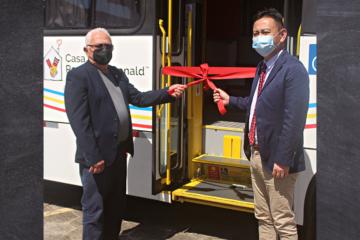 Consulado do Japão em Belém doa micro-ônibus para ajudar no tratamento de crianças e adolescentes hospedados na Casa Ronald McDonald Belém